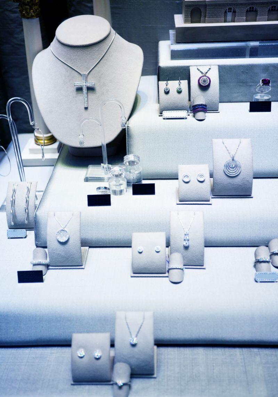 Jewelry shop window display