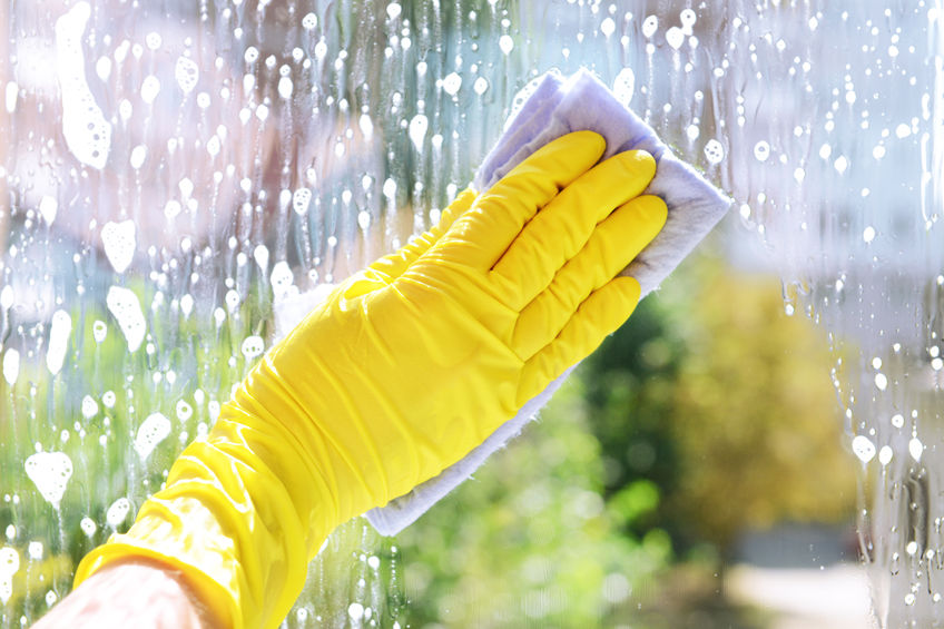 34823387 - cleaning windows with special rag
