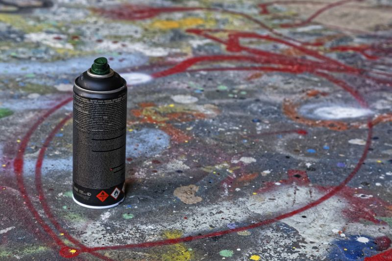 53953055 - graffiti spray can