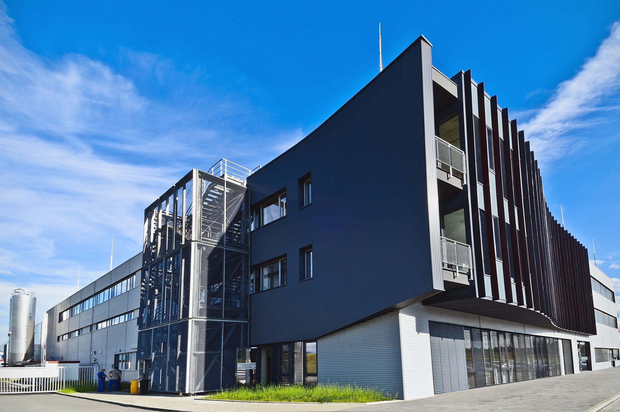 Průmyslová hala a administrativní budova Witte_Nejdek_Ostrov nad Ohří_zmenšená