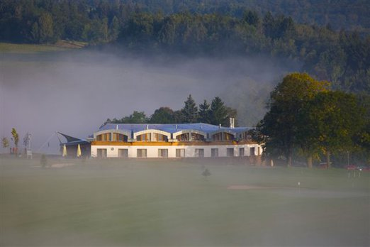 exterier_Grund_Resort_GolfSki