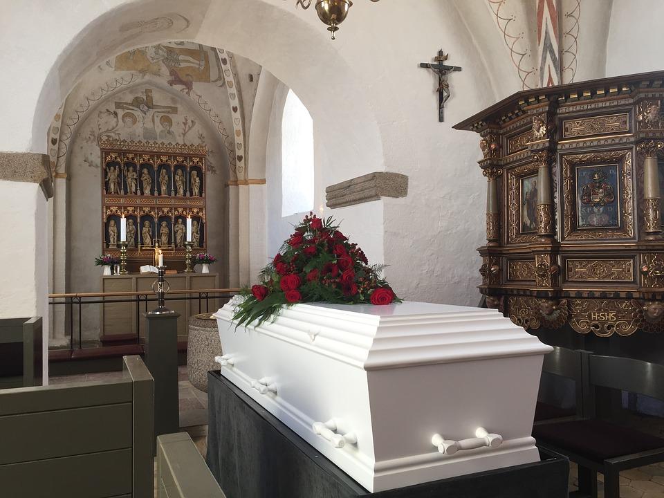 178a73f3b Jak se správně připravit na pohřeb | maxstream.cz